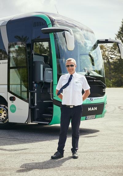 Stein Arne har kjørt buss for Tide i 13 år, og frekventerer i dag ruten mellom Bergen og Stavanger